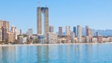 Vista mare, 47 piani senza ascensore: l'imbarazzante storia della Intempo Tower