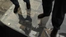 Attacchi e giunti metallici per vetro strutturale