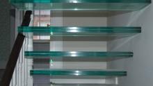 Le scale in vetro laminato