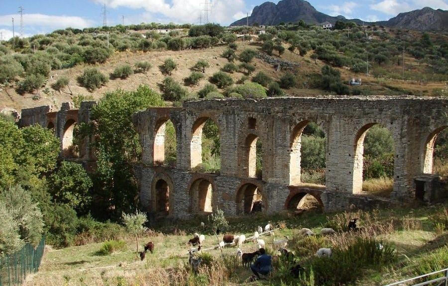 wpid-22539_acquedottolavoritaormina.jpg