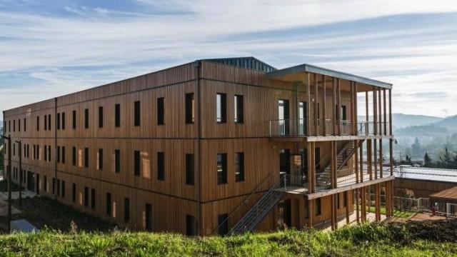 Edilizia in legno: il primo complesso per uffici passivo di Francia