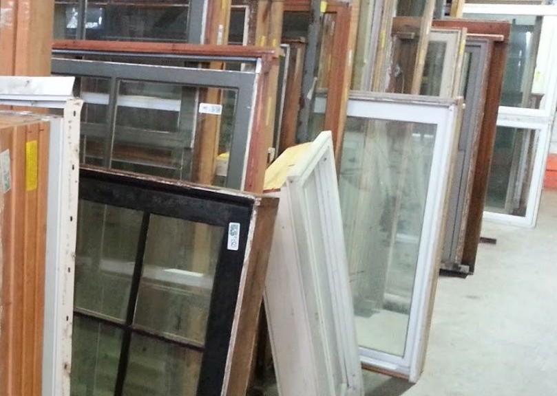 Rifiuti da ristrutturazione edile gli infissi di legno si possono ardere - Ristrutturazione finestre in legno ...