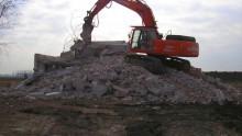 Demolizione, ricostruzione e incremento della volumetria: basta la Scia?