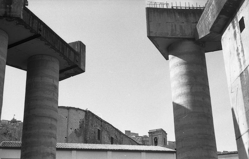 Viadotto incompleto a Cammarata (Agrigento). Foto: Maria Clara Caracciolo