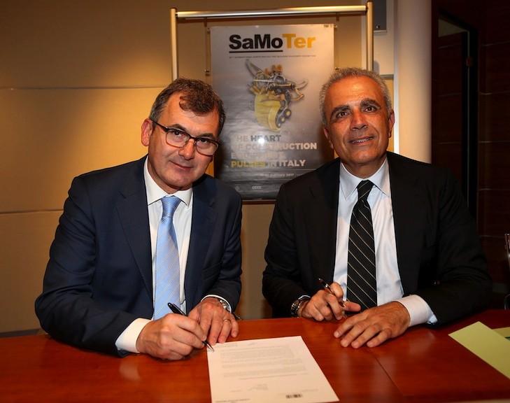 La firma dell'accordo tra Maurizio Danese, Presidente di Veronafiere, e Rudy Girardi, presidente Federcostruzioni